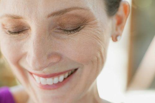 Як народна медицина може допомогти позбутися від зморшок