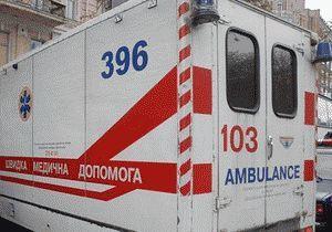 Перевезти хворого дитини машиною швидкої допомоги