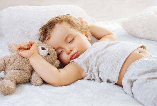 Дитячі матраци: забезпечуємо дитині здоровий сон